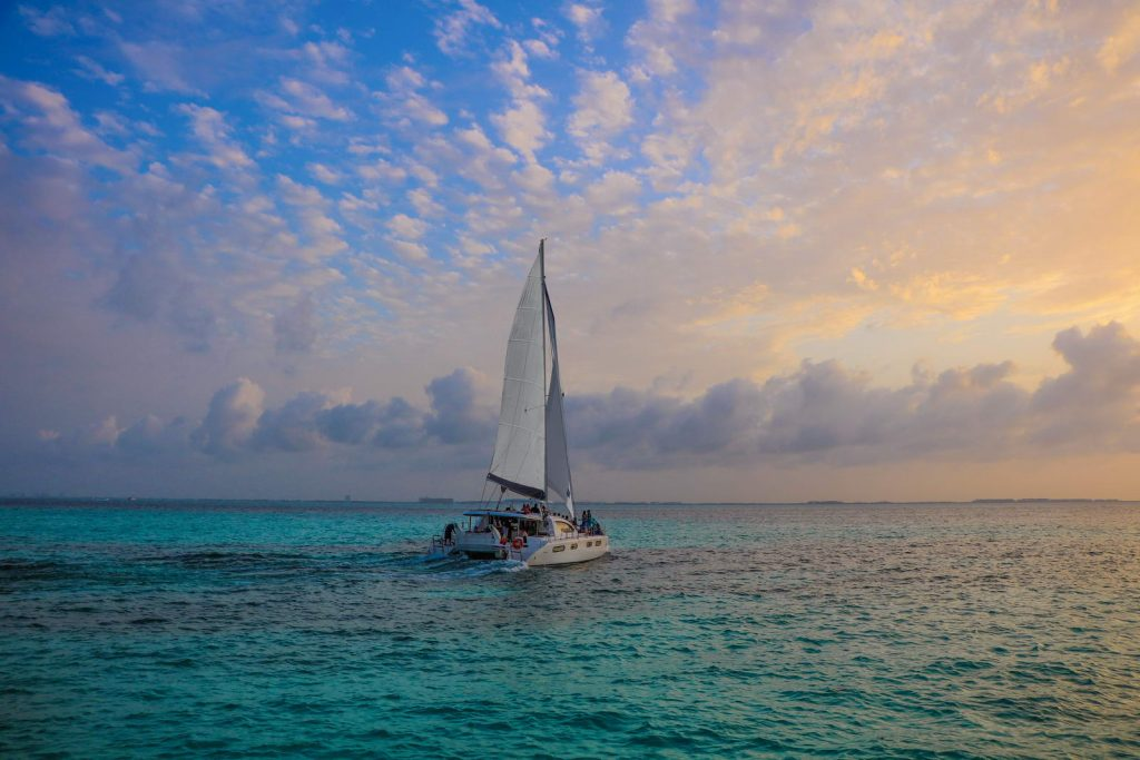 catamaran-sunset